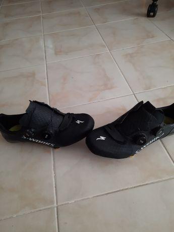 Rolo, sapatos sworks 7 + capacete