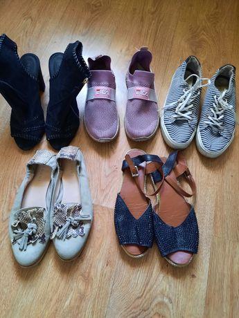 Віддам жіноче взуття