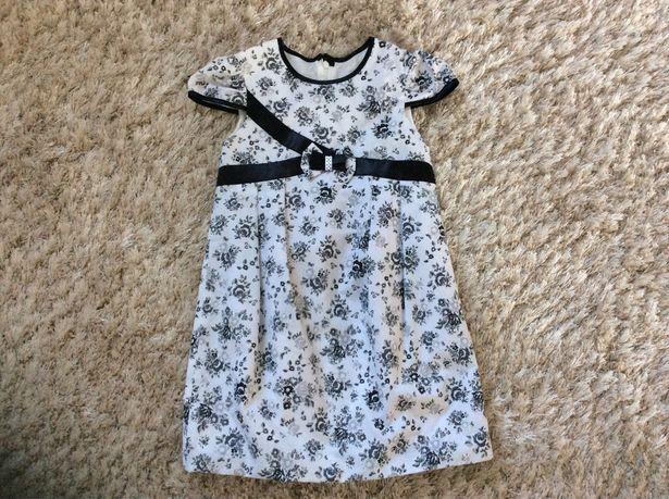Платье для девочки 5-7 лет.