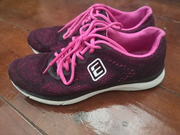 Кроссовки для бега, женские Размер 39 Состояние хорошее Смотрите фото