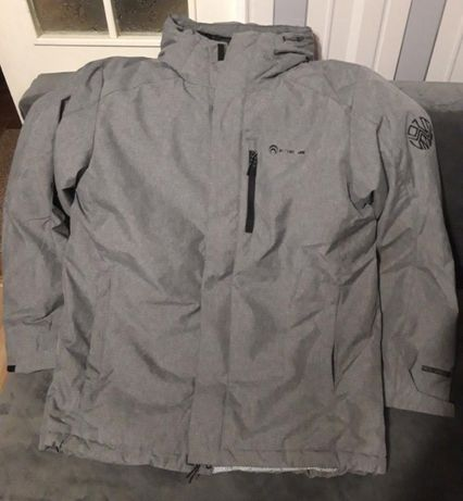 Продам мужскую куртку Outventure