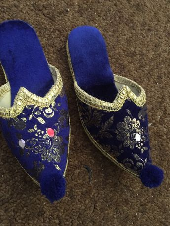Sapatos marroquinos novos 32