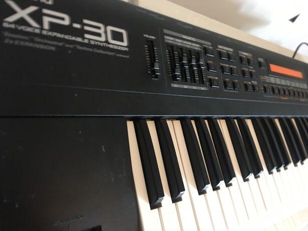 Sintetizador Roland XP-30