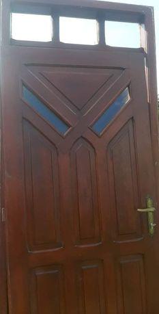 Drzwi garażowe i wejsciowe