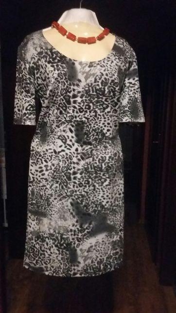 Sukienka rozmiar 42 L/XL
