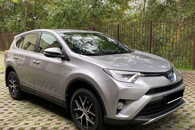 Toyota RAV4 2017 . 2.5 ( гибрид)