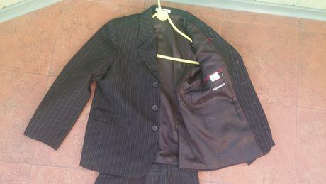 Школьный черный костюм в полосочку Мілана на рост 134, б/у в отл.сост