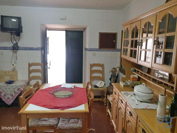 Moradia - 95 m² - T4