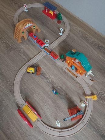 Игровой набор: железная дорога Keenway ,трек 340см .