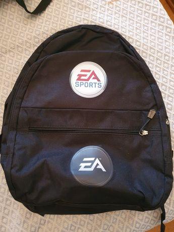 Mochila EA Sports