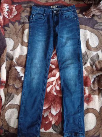Продам джинси на хлопчика 11-12 років