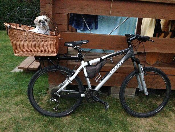 mocny Bagażnik na rower z koszem i udoskonalonym mocowaniem