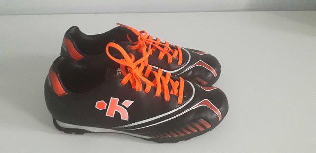 Buty do piłki nożnej rozmiar 35