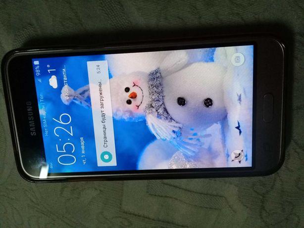 Смартфон Самсунг J3.