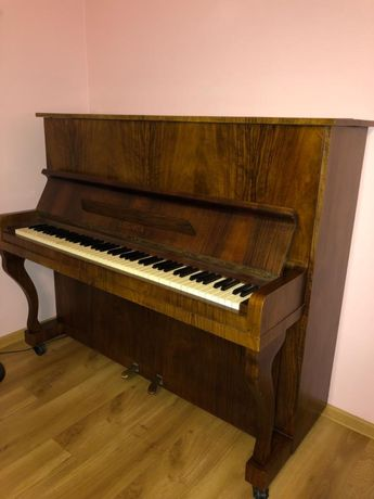 Piękne pianino Legnica