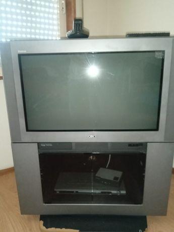 TV Sony antiga mas em bom estado, não faço entregas nem algo do gênero