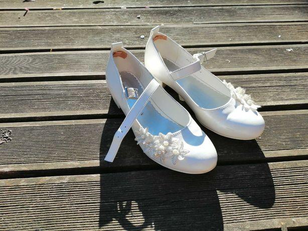 Buty buciki pantofle białe komunia jak nowe Graceland rozmiar 35