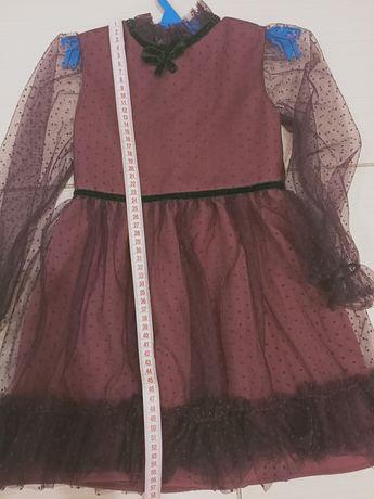 Нарядное платье на девочку на 4года