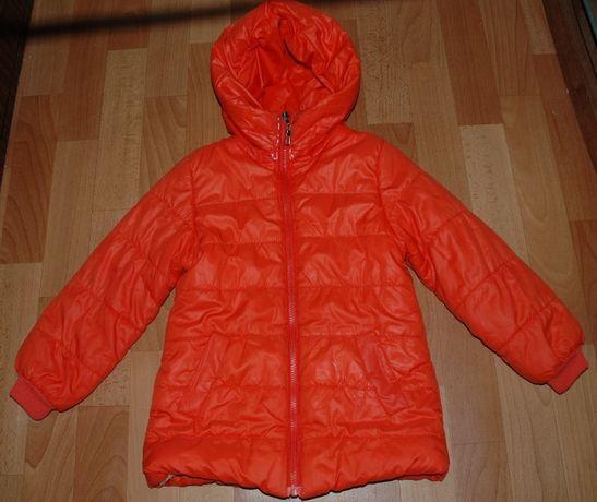 Демисезонная куртка на девочку (5-6 лет)