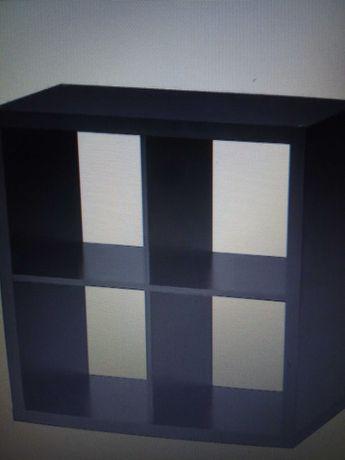 Móvel estante cubos  IKEA e mesa e cadeira