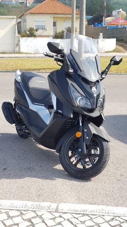 MaxiScooter Sym Cruisym 125