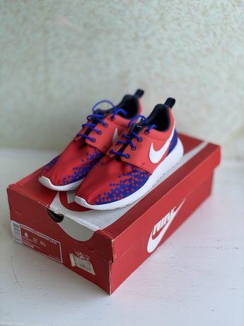 Кроссовки Nike Roshe Run 36,5 размер оригинал