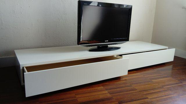 szafka RTV biała do salonu