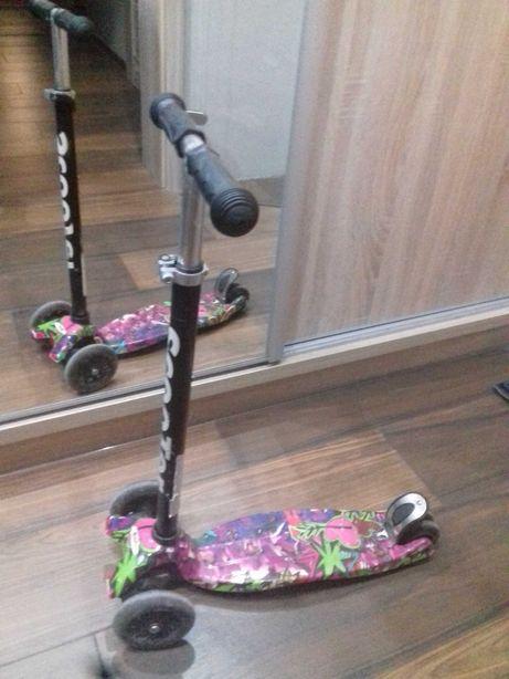 Hulajnoga Scooter Grafitti trójkołowa