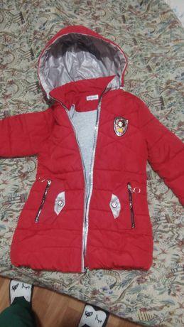 Курточка(128 см)б/у-750 р.
