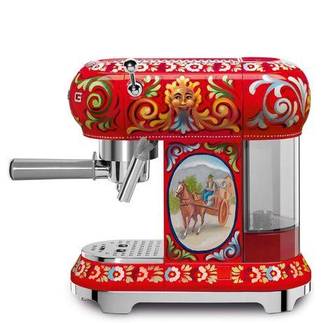Кавоварка, кофеварка-эспрессо Smeg ECF01DGEU лімітована серія D&G