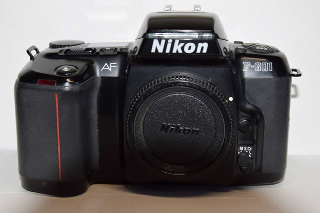 Nikon - Maquina Analógica F-601