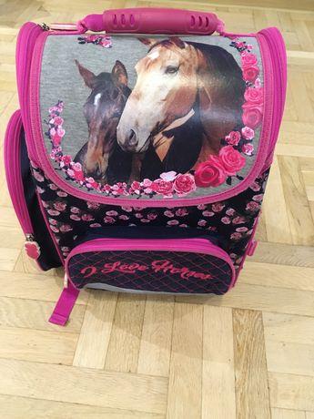Tornister ergonomiczny, plecak szkolny, konie