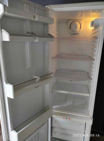 Холодильник встроенный бу в отличном состоянии. Перевозка