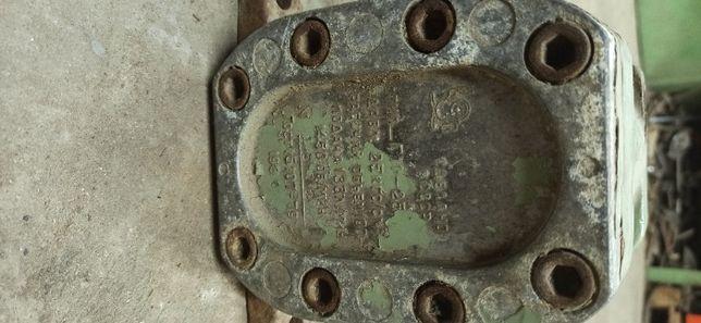 Насос шестеренный Г11-25