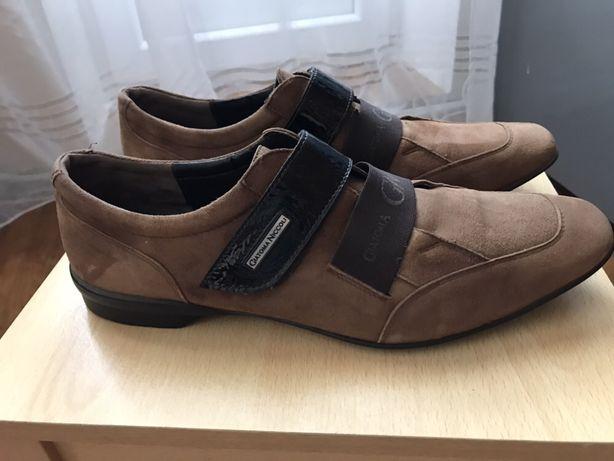 замшеві чоловічі туфлі