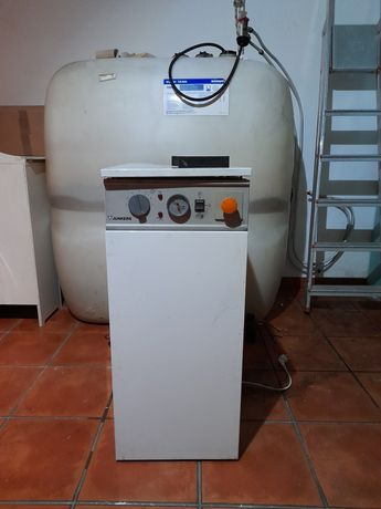 Caldeira gasóleo Junkers + deposito 1000l