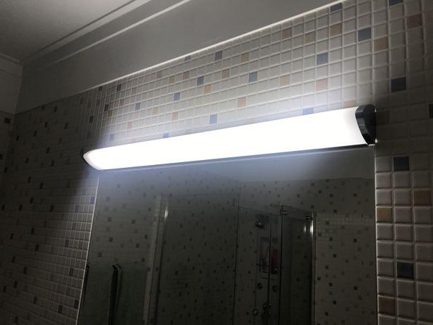 Luz iluminação de casa de banho.