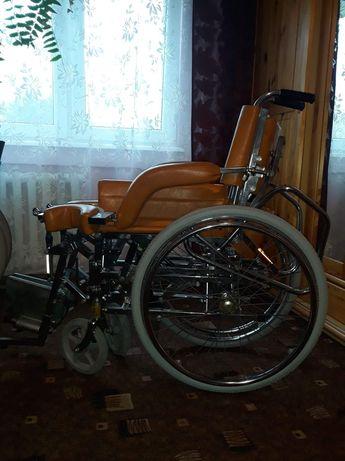 Wózek inwalidzki z możliwością pionizacji