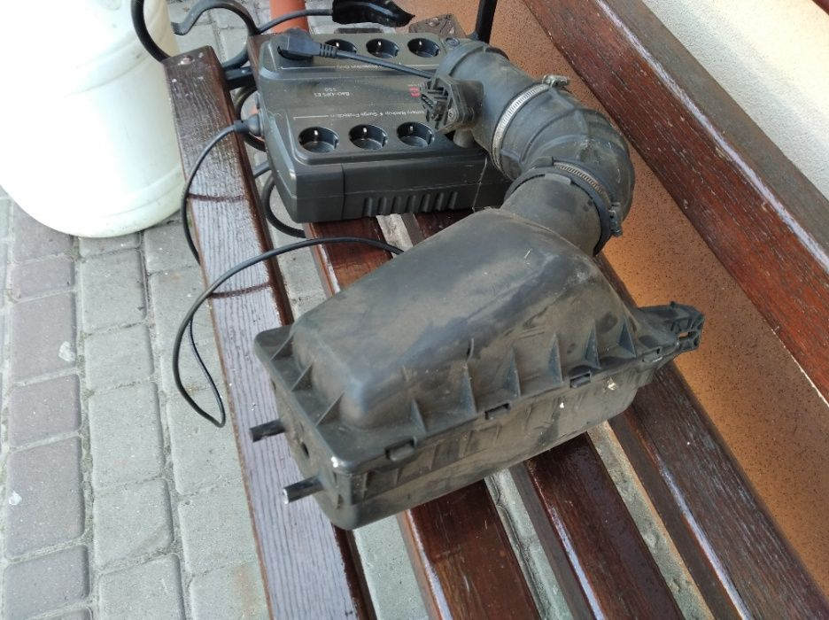 Корпус пов-го фільтра з датчиком повітря Крайслер Вояджер 2.5D Любомль - изображение 1