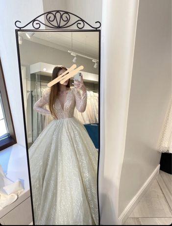 Весільна сукня !!!
