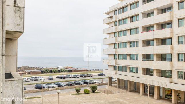 Apartamento T3+1 Primeira linha de praia Leça da Palmeira