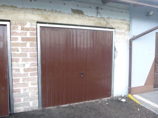 Brama garażowa uchylna PRODUCENT bram uchylnych na wymiar BRAMY DRZWI