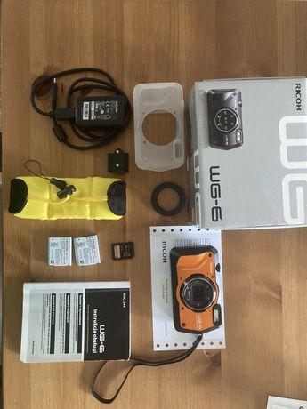 Ricoh WG-6 (pomarańczowy) + akumulator + pasek+karta Sd