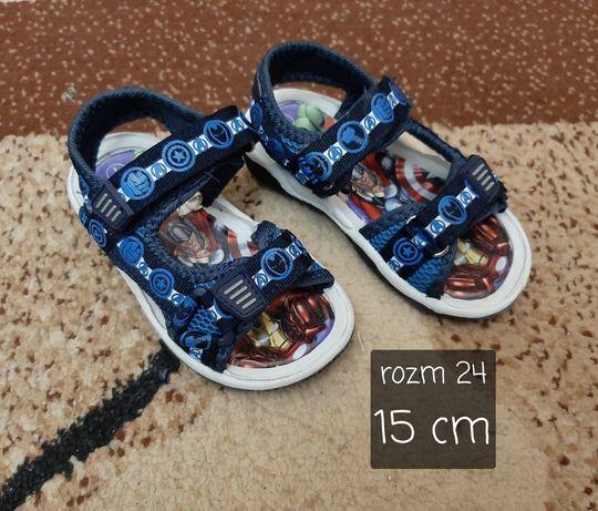 Sandałki na rzepy Avengers rozm 24 / 15 cm