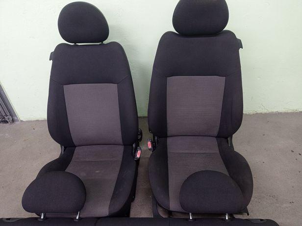 Opel Corsa C 3 drzwi Komplet Foteli Siedzenia