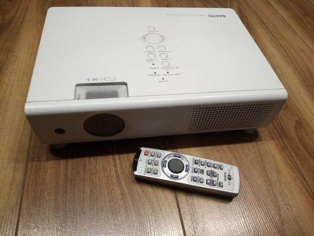 Projektor multimedialny Sanyo PLC-XU111