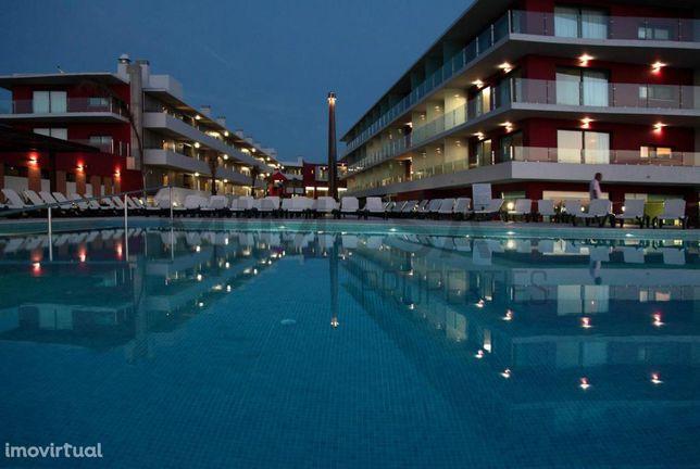 Magníficos apartamentos à beira rio com piscina em Ferragudo