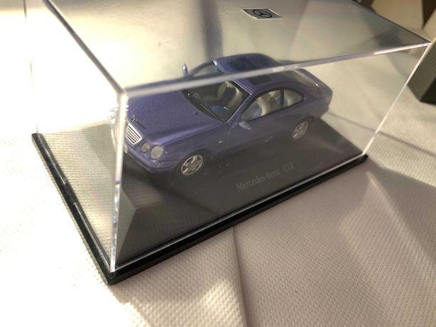 Miniatura Mercedes-Benz CLK 1:43 da Herpa