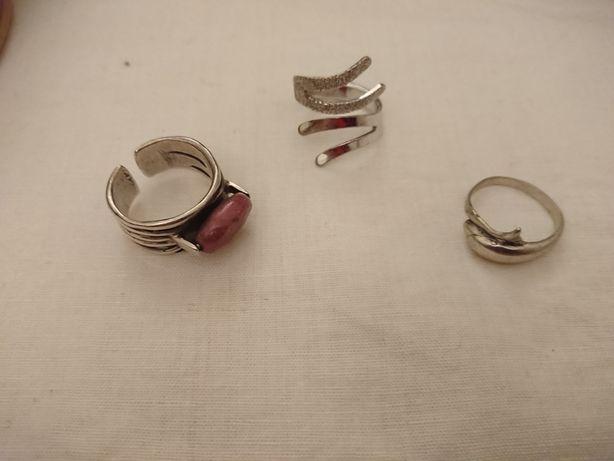 Vendo Anéis de Prata