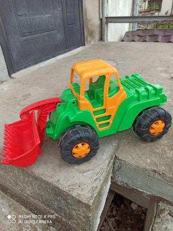 Дитяча машинка- трактор